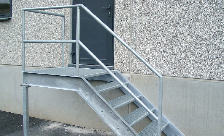 Lovely escalier metal exterieur 3 for Escalier exterieur metal